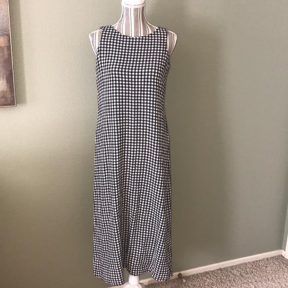 Jones New York Dresses & Skirts - Jones New York Maxi Dress black & white gingham